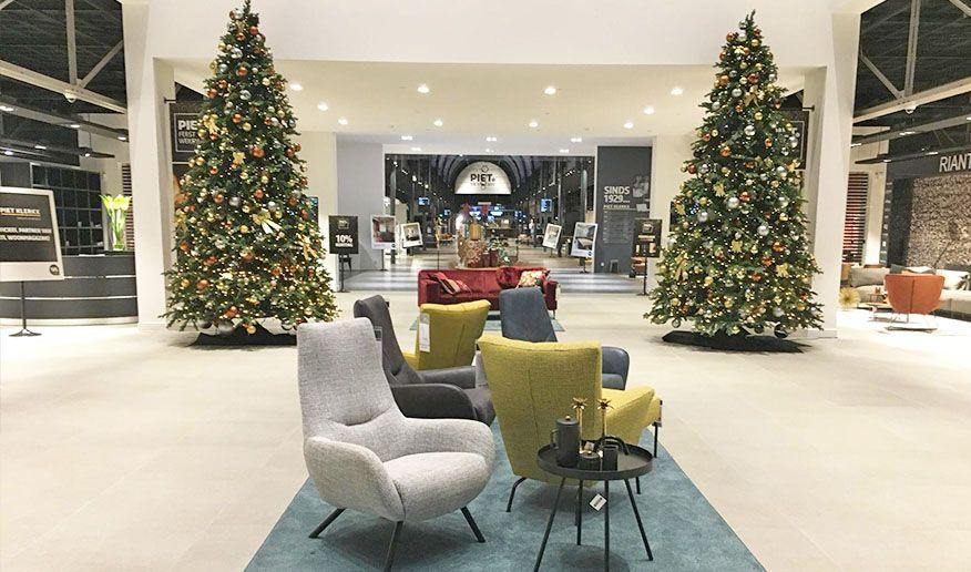 Feestdagen Natuurlijke Kerstdecoratie : Kerst in rustige kleuren met hout en natuurlijke materialen
